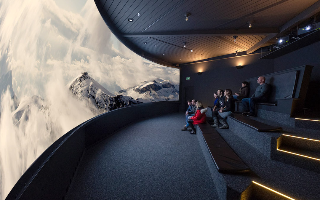 Neues Bond Panoramakino auf 2'970 Meter über Meer